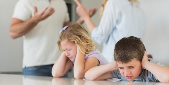 padres discutiendo 2