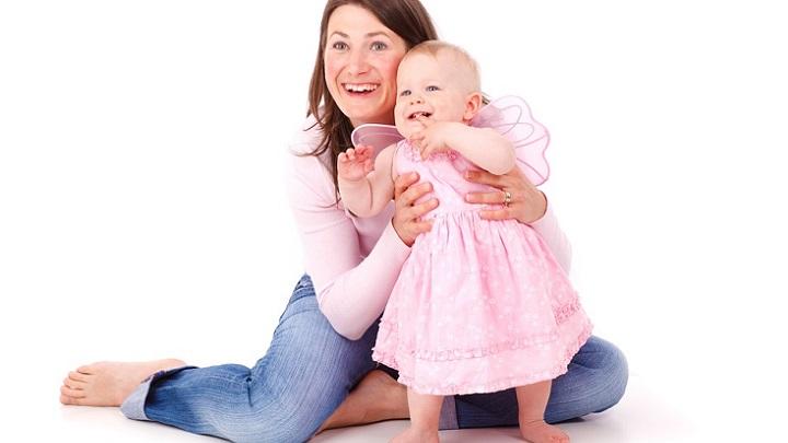 madre-e-hija-sonrientes