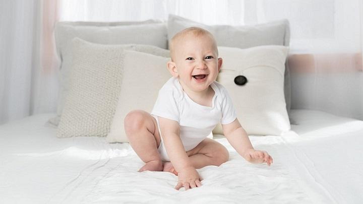 bebe-sonriente-y-feliz