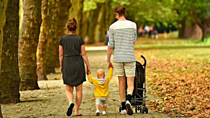 familia-de-paseo